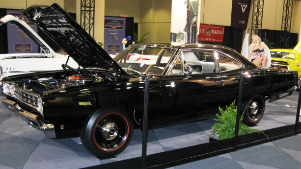 1968 dodge challenger auto show by auto trader. Black Bedroom Furniture Sets. Home Design Ideas