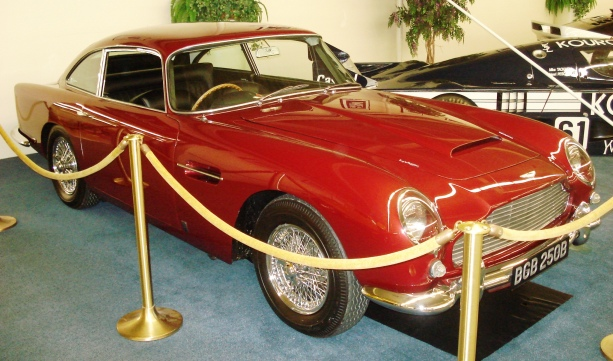 1964 aston martin db5 auto show by auto trader. Black Bedroom Furniture Sets. Home Design Ideas