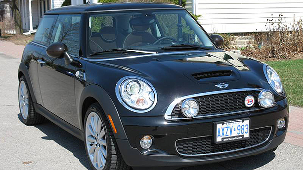2010 mini cooper s mayfair auto show by auto trader. Black Bedroom Furniture Sets. Home Design Ideas