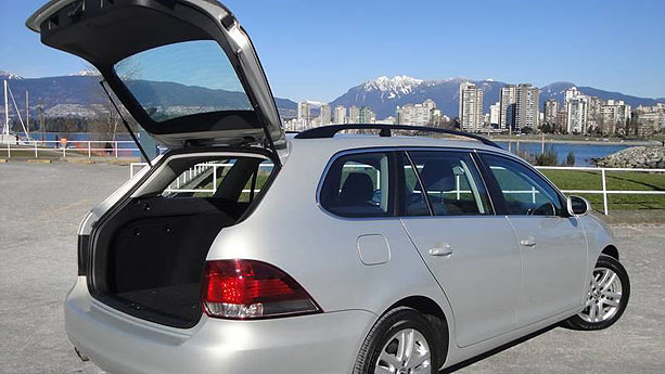 volkswagen golf wagon tdi auto show  auto trader